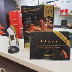 Are you enjoying a wonderful Friday at the @bbcgoodfoodshow in Birmingham today? Be sure to pop by stand G62 for an exclusive show offer on the Thermapen! 🙌 . . . . #GFSWINTER #bbcgoodfoodshow #exhibition #thermometer #thermapen #temperature #cookedtoperfection #foodblogger #nomnom #NECbirmingham #friyay