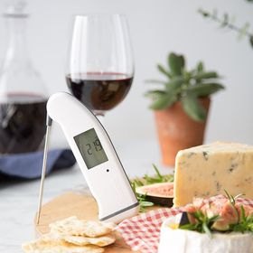 Long week at work? Why not relax this evening with some delicious cheese and wine! Our handy blog gives you all the info on how to correctly store and serve... https://thermapenblog.com/cheese-wine-storing-and-serving-temperatures/ . . . . . #cheeseandwine #cheeselover #cheeseplatter #winetasting #winestagram #thermapen #thermometer #IsItCooked #eatwelllivewell #temperature #foodie #foodphotography #foodbloggers #madeinbritian #eeeeeats #madeinbritian #friyay