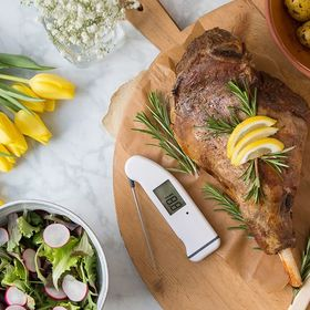 Happy Easter! What are you cooking up this bank holiday weekend? Today we have a fresh take on a classic roast lamb recipe using ingredients such as lemon, new potatoes and salad. . ⬆️ LINK TO THERMAPEN BLOG IN THE BIO ⬆️ . . . . . #roastlamb #lamb #howtoroastlamb #foodblog #foodphotography #recipe #foodbloguk #foodbloger #feedfeed #foodblogfeed #eeeeeats #eatingfortheinsta #easter #thermapen #thermometer #temperature #lemonandrosemary #legoflamb #1000makers #biomasterprotected