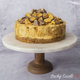 Looking to whip up a sweet treat this weekend? This gluten free honeycomb cheesecake is sure to satisfy that craving! Recipe from @beckyexcell 😍 . . . . . #honeycomb #homemadehoneycomb #crunchie #cheesecake #glutenfree #glutenfreebaking #freefrom #ukfoodblogger #foodphotography #foodblogfeed #thermometer #thermapen #Temperature #foodie #nomnom #madeinbritian #glutenfreeuk #livingglutenfree #glutenfreeeats