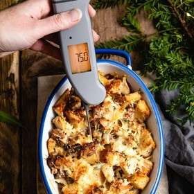 Already thinking about what you can make this year with the mountain of Christmas day leftovers? This Boxing Day Breakfast Strata from @salted_mint will hit just the spot! Cheese, turkey, cranberry and a pinch of cinnamon... https://saltedmint.com/breakfast-strata/ . . . . . #christmasday #boxingday #strata #leftovers #christmasdaydinner #christmasleftovers #turley #cranberry #boxingdayfood #thermapen #temperature #thermometer #madeinbritian #cookedtoperfection #1000makers #nomnom #eeeeeats