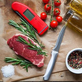 We LOVE a good steak! Just don't forget to use your Thermapen to ensure it's cooked just how you like it! . . . . . #steak #steakdinner #steaklover #steakporn #thermapen #temperature #thermometer #madeinbritain #1000makers #nomnom #cookedtoperfection #raresteak #mediumsteak #foodbloggersuk